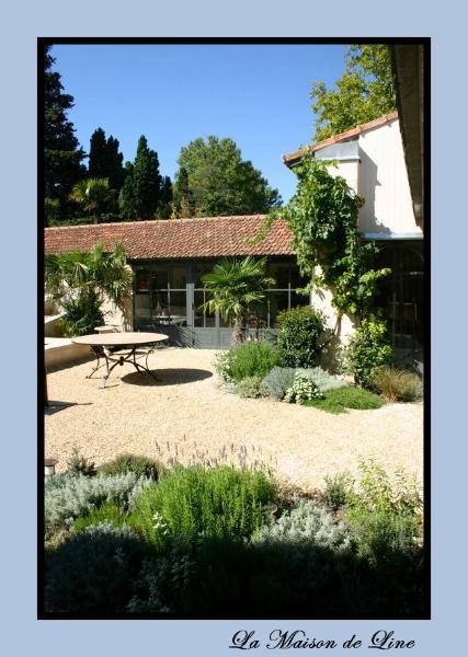 A fabulous charming house in saint remy de provence anna for A la maison de provence